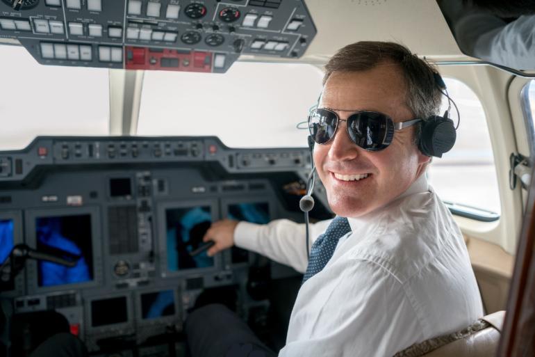 Сколько получает летчик военной авиации в россии