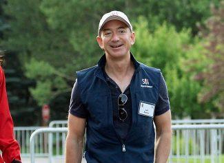 Сколько зарабатывает Джефф Безос: состояние основателя Amazon и самого богатого человека мира