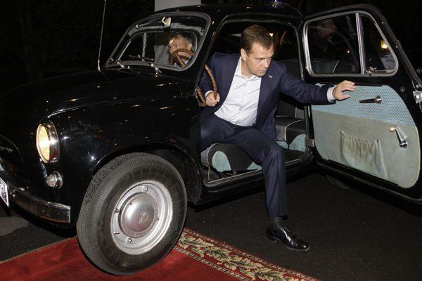Машина Дмитрия Медведева