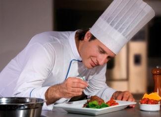 Сколько зарабатывает повар