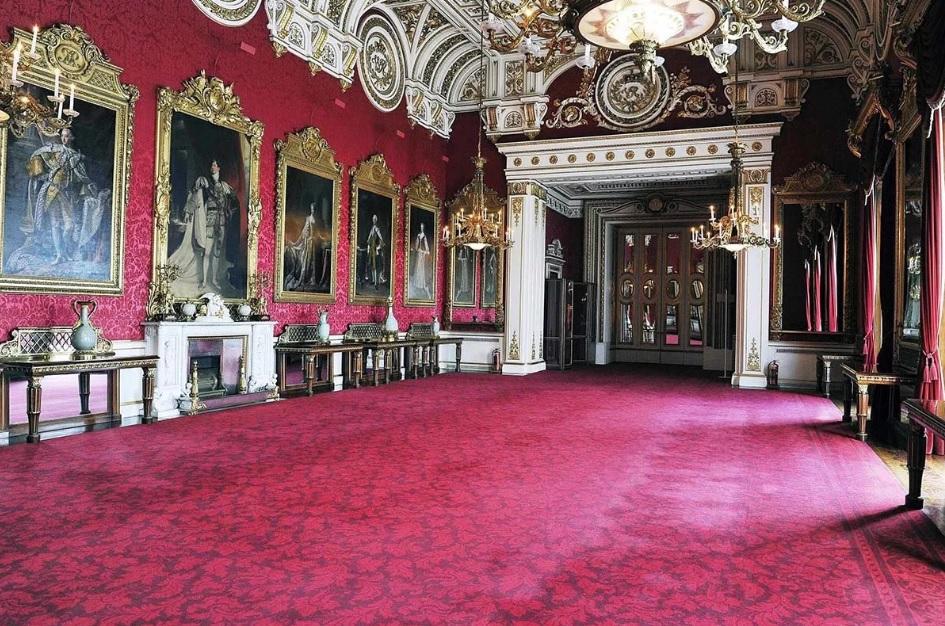 Зал Букингемского дворца