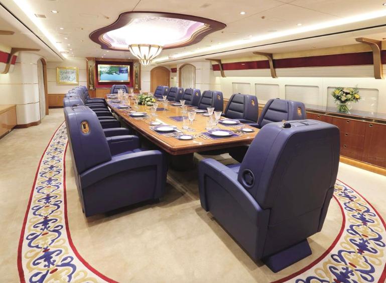 Салон Боинга 747-8