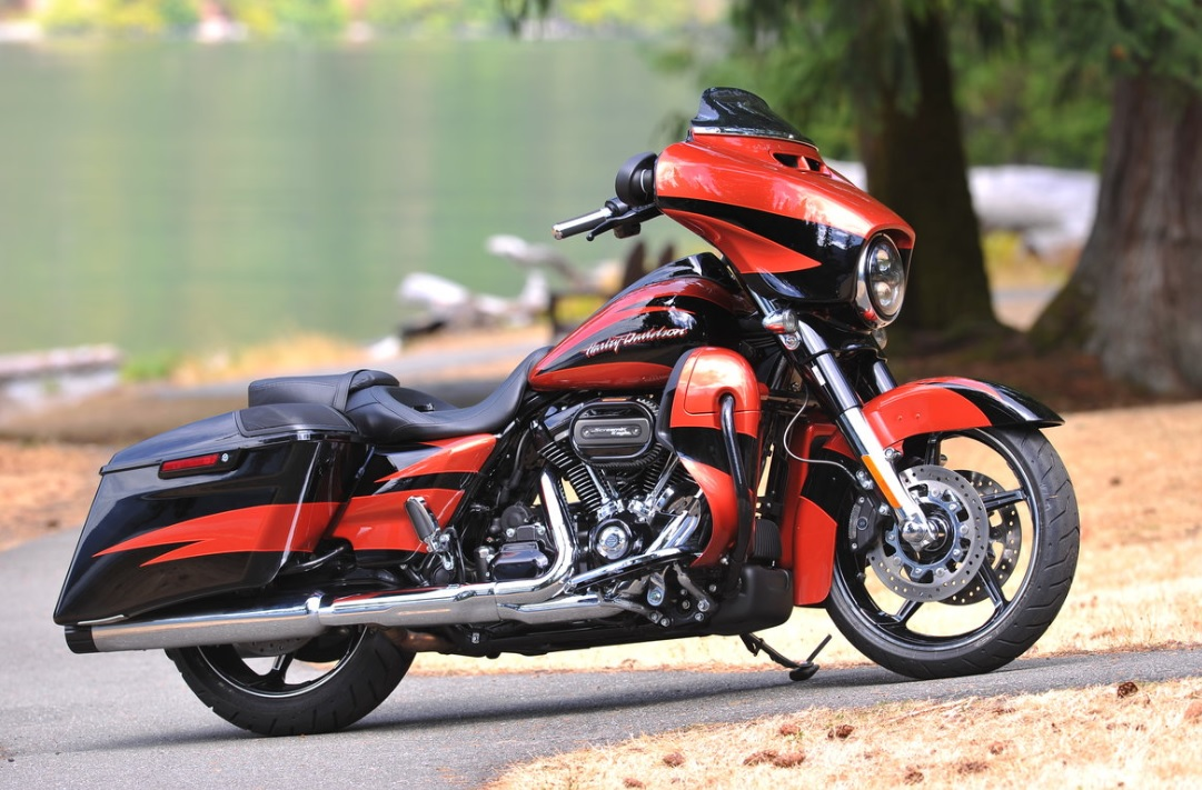Harley-Havidson CVO Street Glide