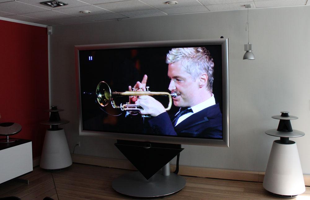 Bang & Olufsen's BeoVision 4