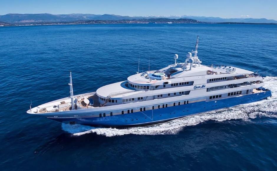 Яхта Queen Miri