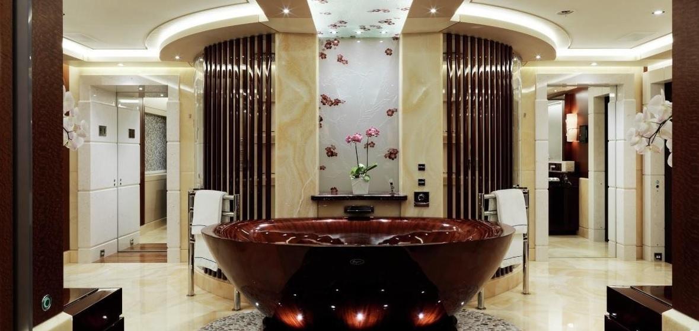 Ванная комната в каюте Tranquility