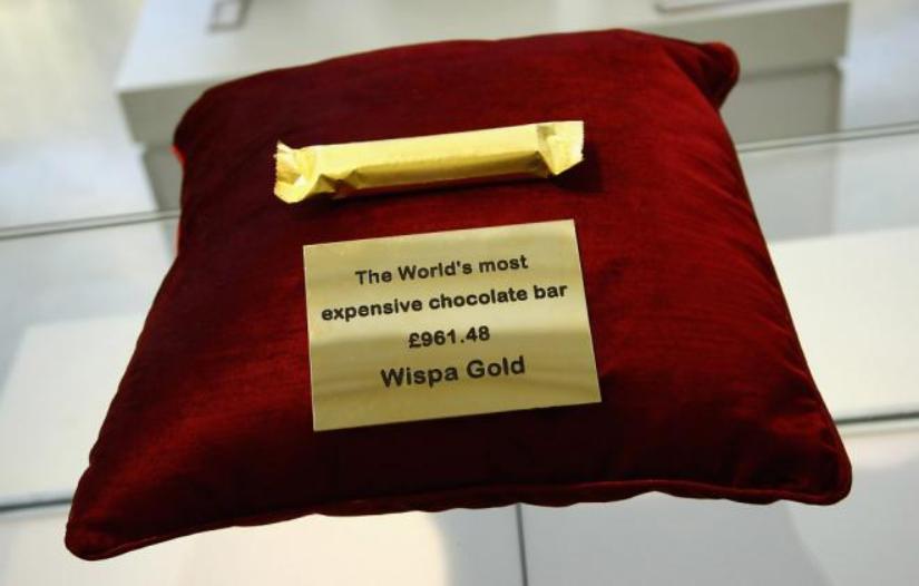 Wispa Gold в фольге из съедобного золота