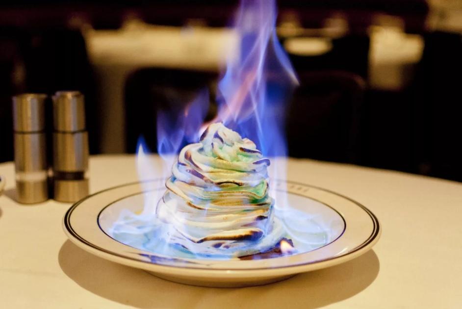 Фламбирование десерта